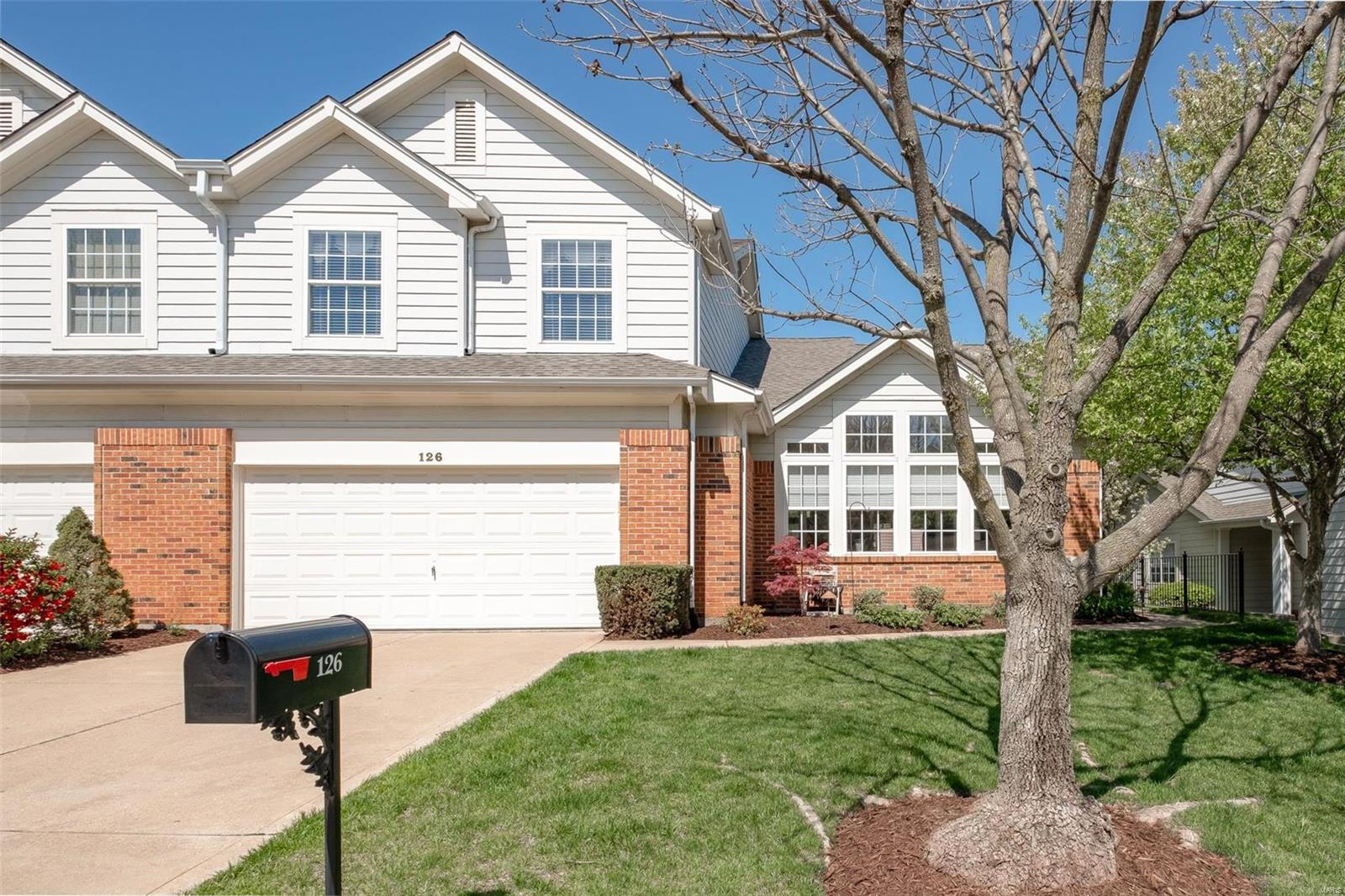126 Chesterfield Bluffs Drive, Chesterfield, MO 63005