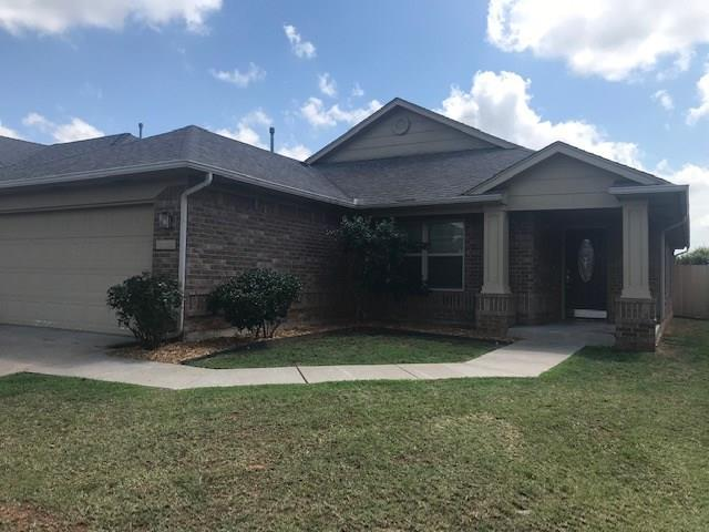 Somers Pointe - Excellent open split floor plan with 4 bed 2 bath with new carpet and paint.  Additional recent updates include new fence and smooth top range!  This one is move in ready!