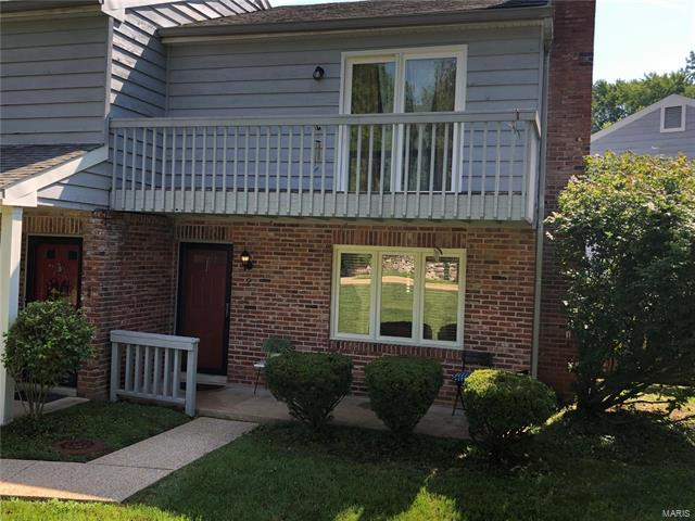 2 Hull Avenue, Webster Groves, MO 63119