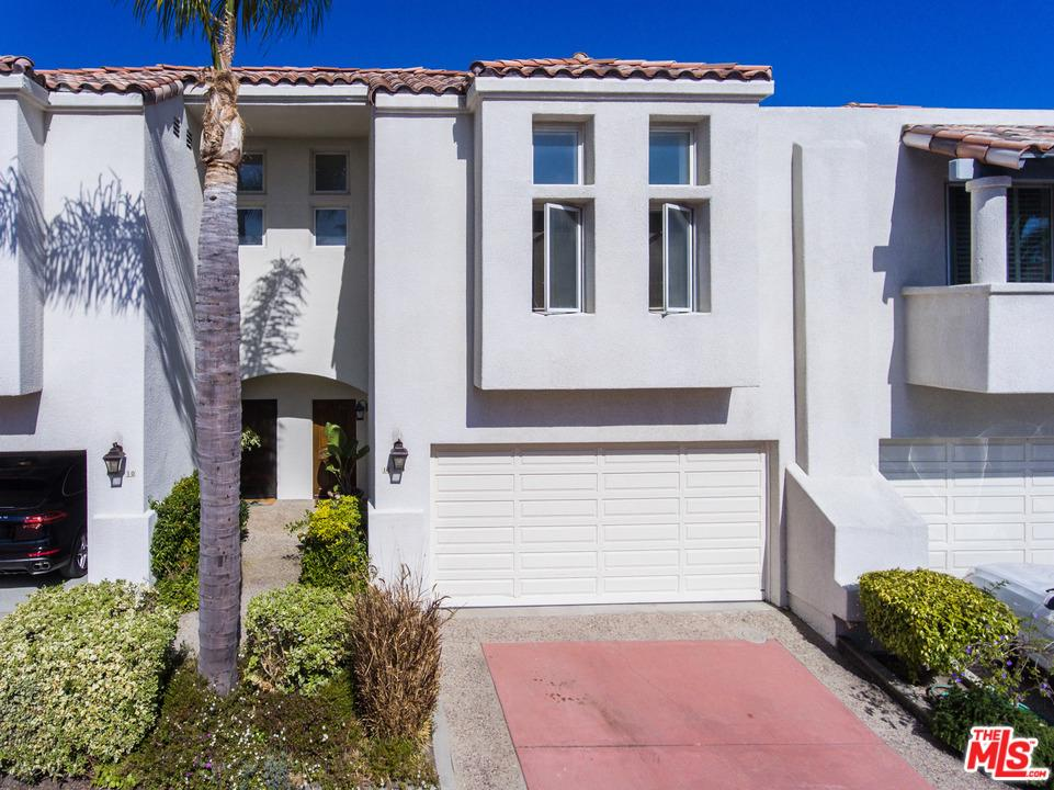 6435 ZUMIREZ Drive 11, Malibu, CA 90265