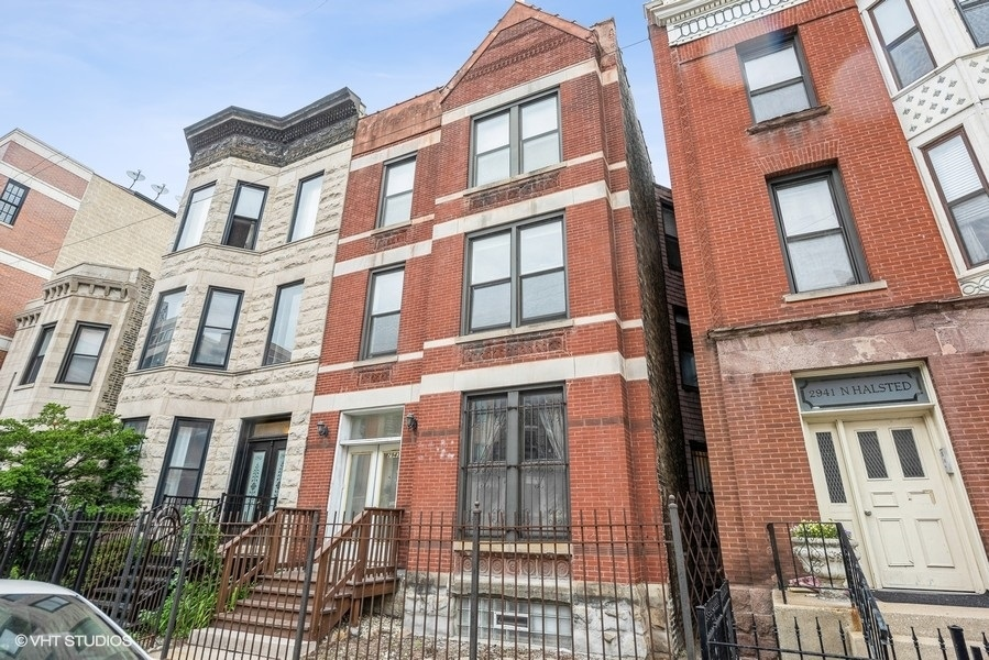 2943 N Halsted Street, Chicago, IL 60657