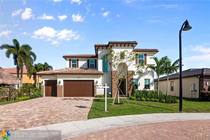 SELLER MOTIVATED. MODERN GATED NEW 5 BEDROOM, 4 BATHROOM POOL HOME, LOCATED ON THE LARGEST LOT WITH THE BEST VIEW OF THE LAKE AND FOUNTAIN. AS YOU WALK IN TO THIS SPECTACULAR OPEN LAYOUT HOME YOU WILL SEE LARGE LIVING AREA LEADING INTO CUSTOM SALT WATER HEATED POOL, LAKE, FOUNTAIN, GAZEBO & SUMMER KITCHEN. LOCATED IN THE HEART OF COOPER CITY WITH GREAT SCHOOLS, SHOPPING & LIFESTYLE. 20 X 20 PORCELAIN TILE IN LIVING AREAS AND PLANK MODERN FLOORING WITH LIFETIME WARRANTY ON STAIRS AND 2ND FLOOR. TOP OF THE LINE GRANITE COUNTER TOPS, STAINLESS APPLIANCES,  KITCHEN ISLAND & MORE. HOME UNDER WARRANTY. ADDITIONAL $31,000 IN UPGRADES WERE ADDED AFTER CLOSING.