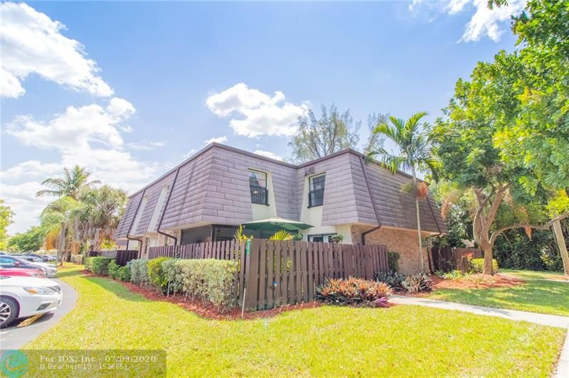 Beautifully 3/2 FULLY renovated two level townhome, just west of Coral Springs. It is minutes from Mullins Park, sawgrass, and all great schools, along with major shopping plazas, and GREAT restaurants ! This home is perfect for a first time home buyer, a family, or a family whom is ready to upsize/downsize! 
