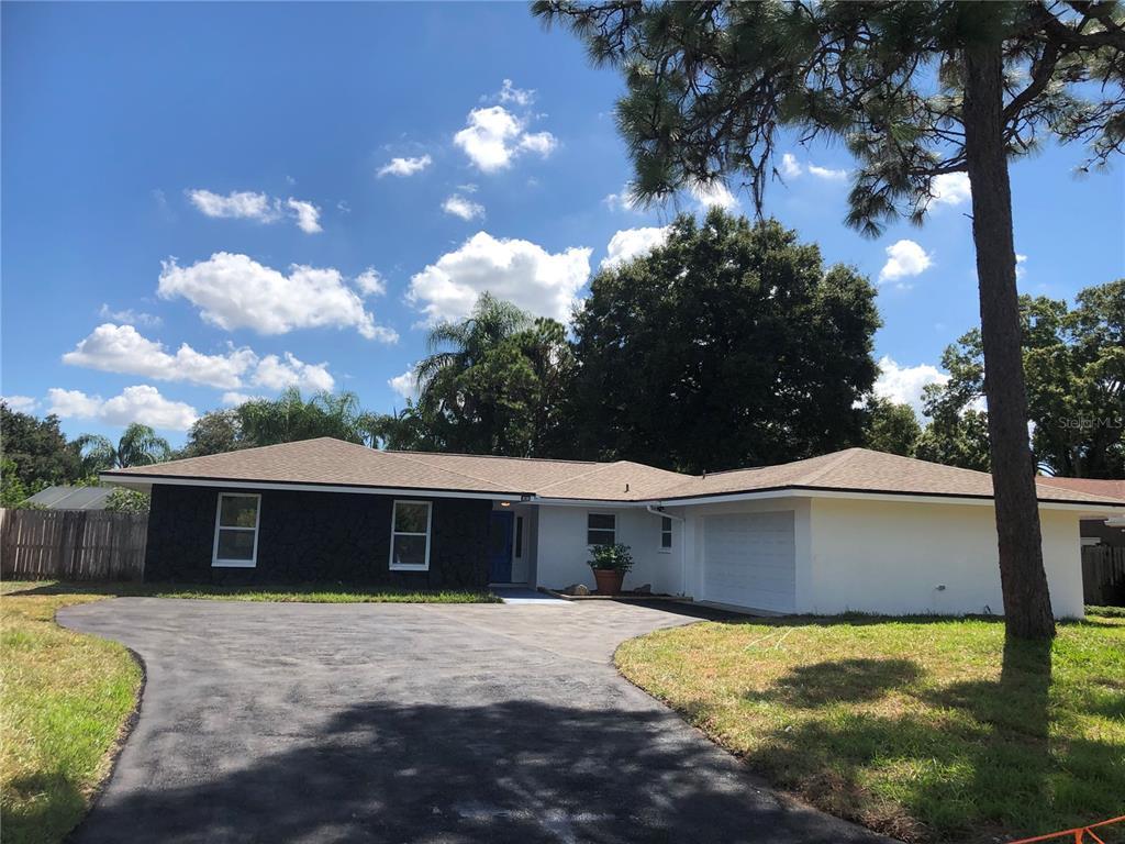 9027 Merrimoor Boulevard, Seminole, FL 33777