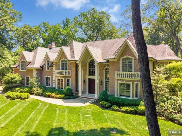 252 Mulberry Way, Franklin Lakes, NJ 07417