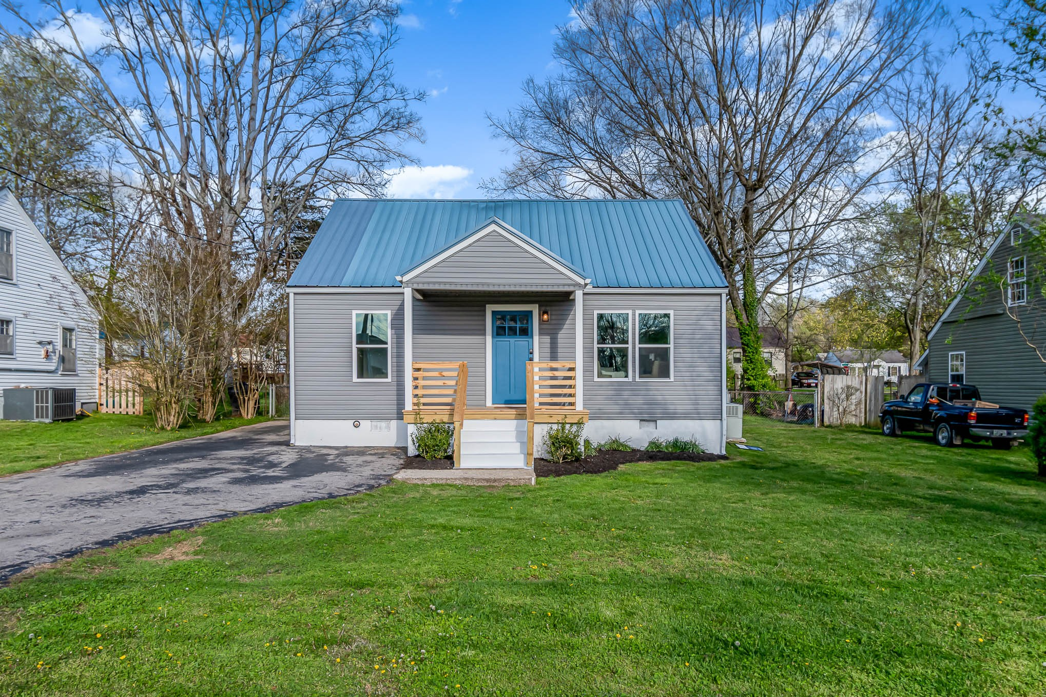 FULLY renovated cottage with NEW siding, windows, plumbing/electricity, floors, all new paint, brand new Samsung stainless steel appliances, and much more! Bright and spacious with new landscaping and great fenced-in back yard.  Shed for storage even has power. Close to the square, shopping, and only three minutes to the best cinnamon rolls in Columbia!