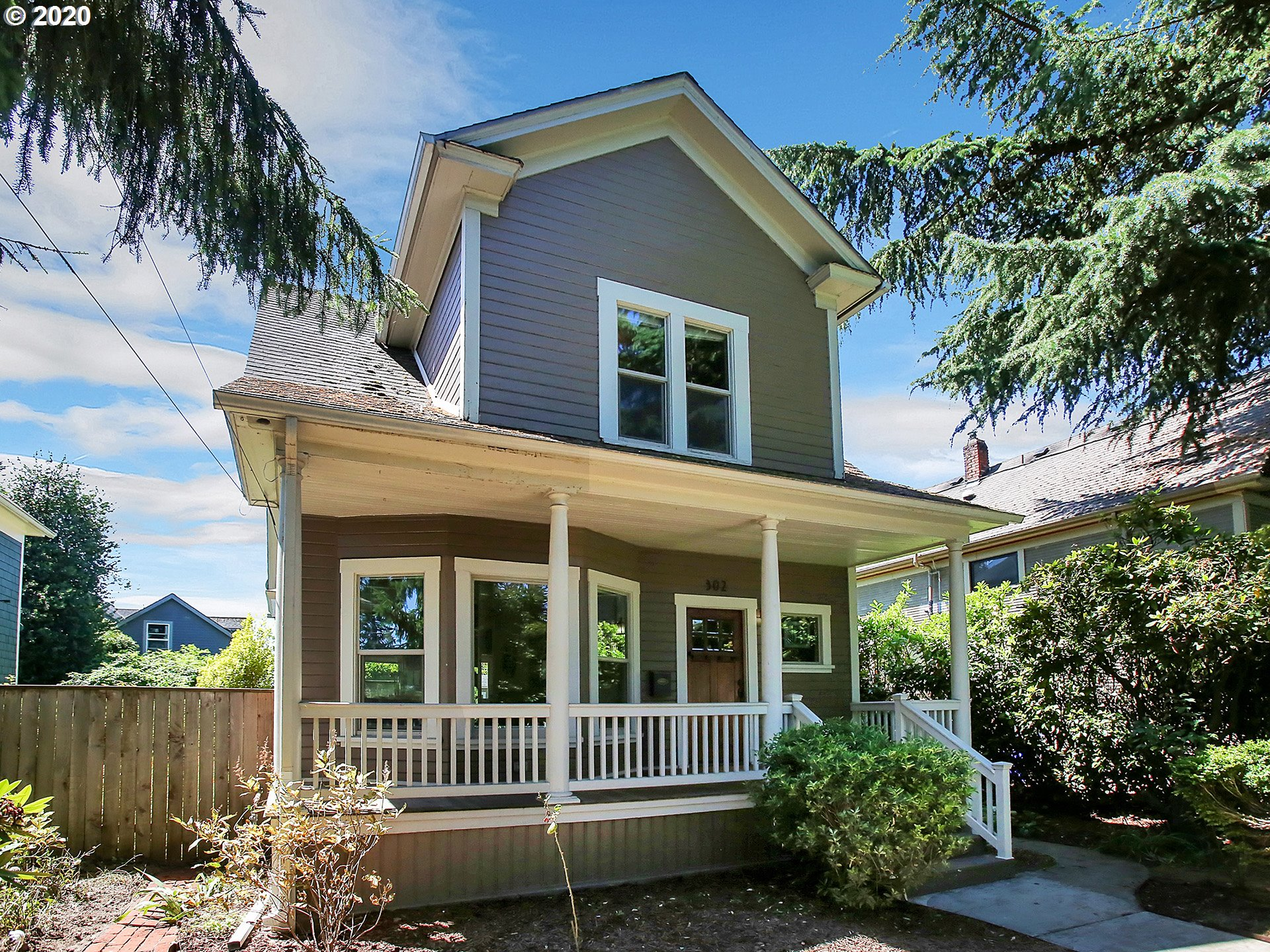 Live next to everything Williams District and Mississippi has to offer! This classic Portland home has been lovingly restored from top to bottom with high-end finishes that do not disappoint. It features an amazing oversized yard and a finished basement with a separate entrance that is perfect for an ADU or Airbnb. House sits high off of Fremont and even has a garage! [Home Energy Score = 7. HES Report at https://rpt.greenbuildingregistry.com/hes/OR10185274]