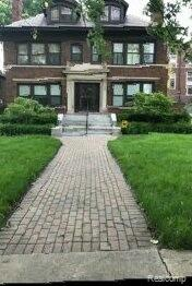 RARE FIND!!!PRICED BELOW MARKET.HISTORICAL BOSTON EDISON GEM. 5500  SQUARE FEET. STUDY COULD BE USED AS A 1ST FLOOR BEDROOM. 3RD FLOOR BEDROOM (600+sf).PARTIAL UPDATES IN 2019. WELL-BUILT SOLID HOME, 2 CAR GARAGE,  ALL OVERSIZED BEDROOMS AND SUCH AN AMAZING YARD????? SELLER IS MOTIVATED BUT NOT DESPERATE. PROOF OF FUNDS MUST BE VERIFIED PRIOR TO SHOWING.BUYER AND BUYER AGENT TO VERIFY ALL MEASUREMENTS AND INFORMATION. HOME IS OCCUPIED, PLEASE DO NOT APPROACH WITHOUT A CONFIRMED APPOINTMENT!