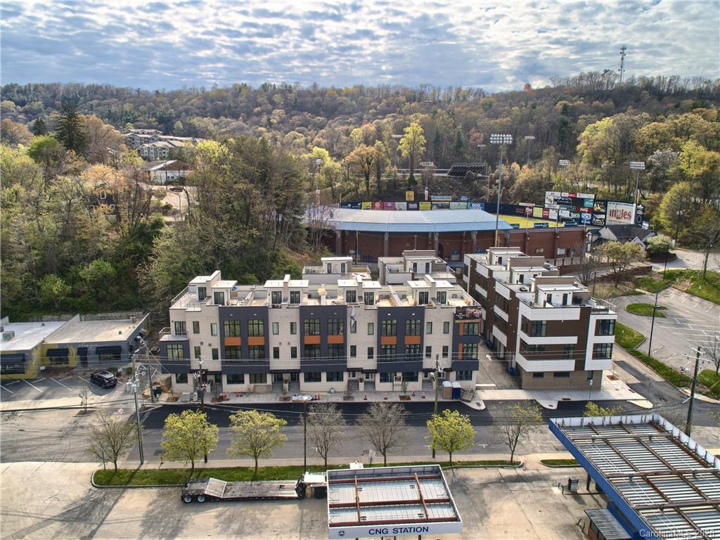 17 Bauhaus Court, Asheville, NC 28801