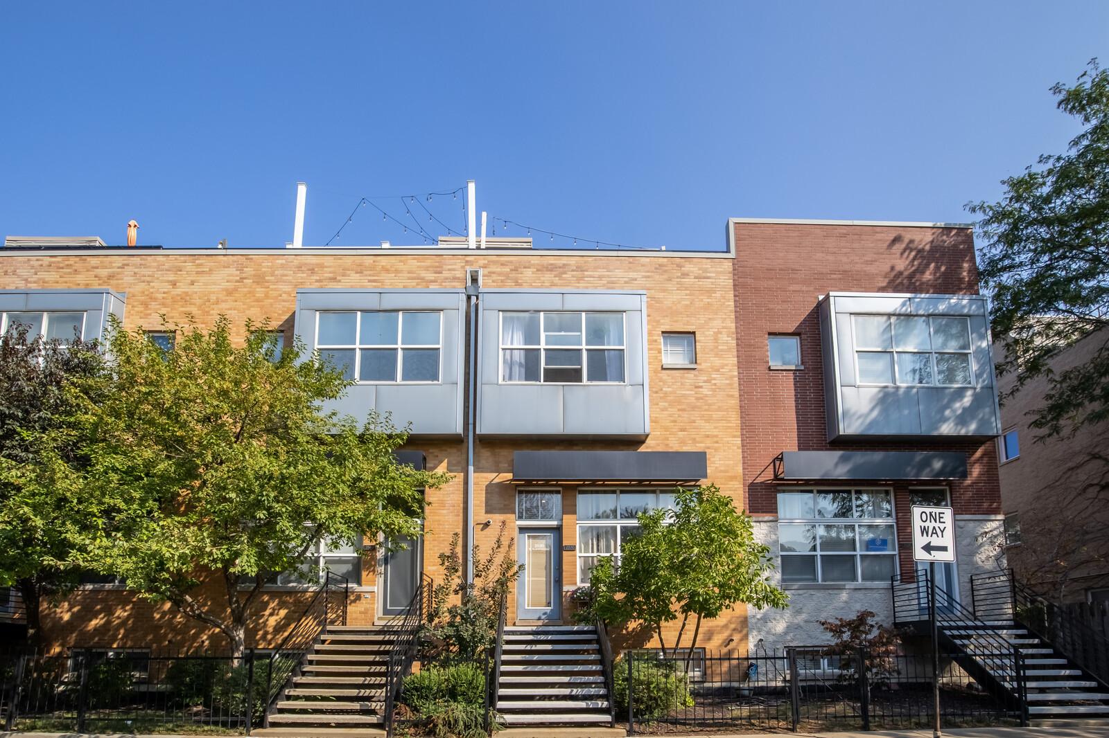 2530 W Bloomingdale Avenue, Chicago, IL 60647