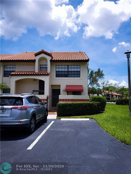 INDEPENDENCE BAY,GATED DEVELOPM. BIGGEST MODEL 2+2 DENS WHICH CAN BE 2 BONUS EXTRA ROOMS. SCREENED PATIO AND ACCORDION HURRICANE SHUTTERS.CLOSE TO THE CLUBHOUSE WITH 5 POOLS AND GYM. BEST PRICE IN THE COMMUMITY. MIN. 10% DOWN