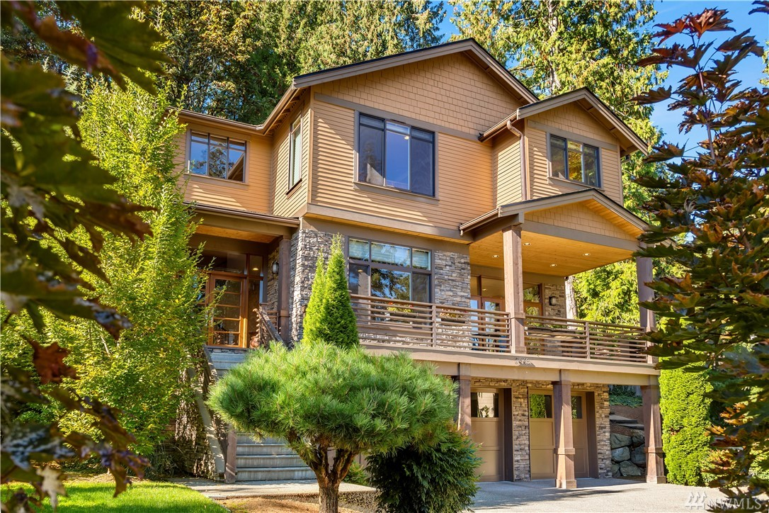 Nestled w/in a petite quiet neighborhood of fine homes this 6yr young treasure lives like a model home. Top level luxury w/ 10ft main ceiling heights & stacked windows for natural light. The epicurean Kitchen invites gathering around a massive Central Island. Ready to entertain, formal Dining Rm opens to a territorial View Deck & conversational Living Rm. The Resident Level offers a luxurious Master Suite, Laundry & Bonus Rm. Spacious Recreational Level. Award Winning Schools!