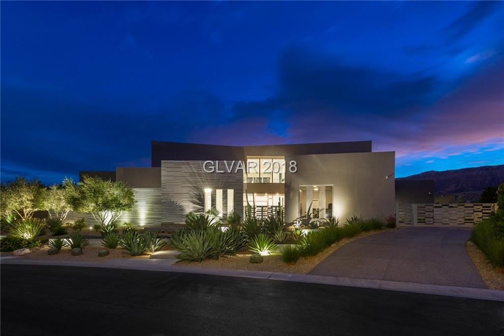 19 FLYING CLOUD Lane, Las Vegas, NV 89135