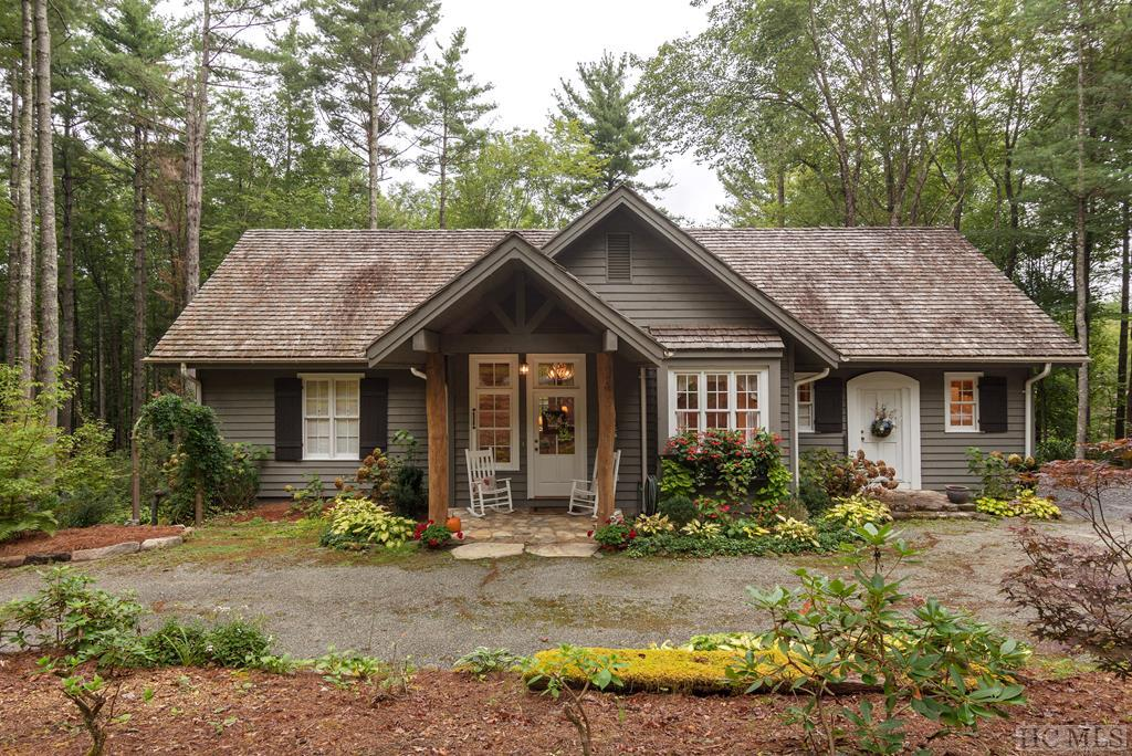 15 Grey Cottage Lane, Cashiers, NC 28717