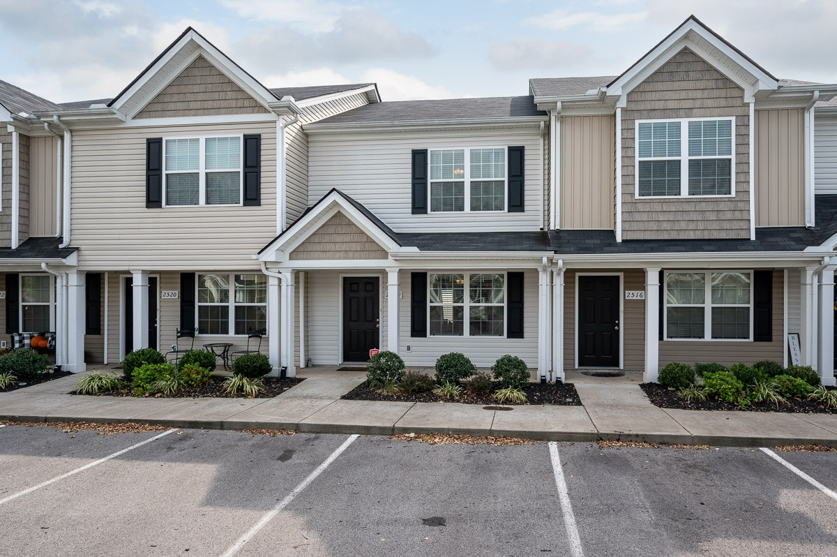 Larger unit conveniently located within minutes of MTSU and Shopping! This townhome features a spacious kitchen w/ large pantry and breakfast area, two bedrooms upstairs each with their own bathroom, lots of storage space, spacious fenced in patio with storage area, and more!