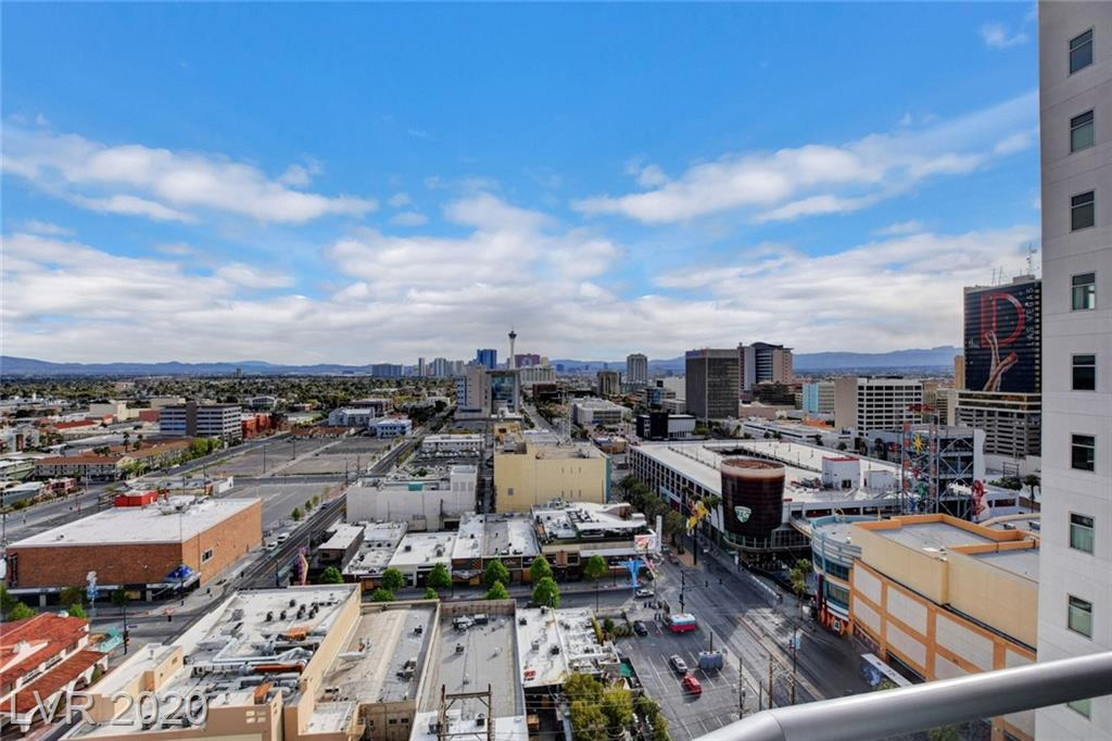 Largest 1 bd, 1.5 bth + Den residence towering above Las Vegas Entertainment District. With views of the Las Vegas Strip and Downtown Fremont, this home features an open floorplan with office/den space, newly upgraded kitchen w/ Profile stainless appliances, NEST Thermostat, and more! The Ogden offers sumptuous amenities, from rooftop pool and spa, sky deck, concierge, onsite restaurants and more. You don't want to miss this rare find!
