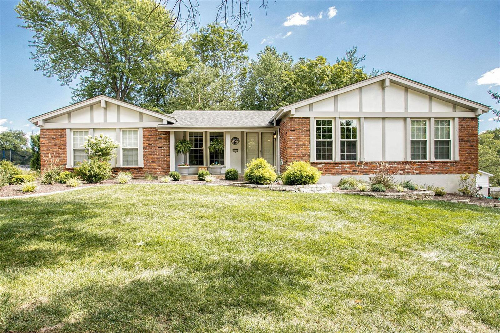 1326 Still House Creek Road, Chesterfield, MO 63017