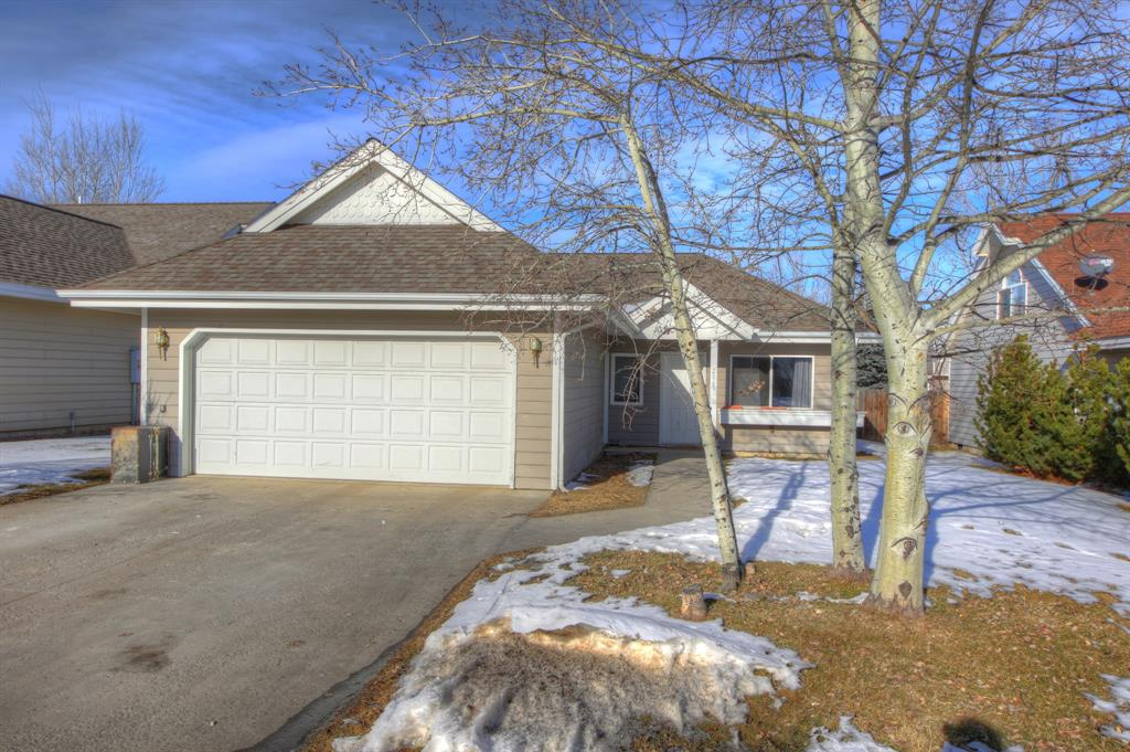 Charming 3 Bedroom 2 Full Bath Single Level Home in Durston Meadows Subdivision. 2 car attached garage. Newer laminate flooring in main living areas. A true master with ensuite. Call today as this home won't last long!