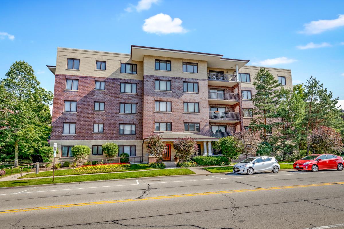 650 Laurel Avenue 303, Highland Park, IL 60035