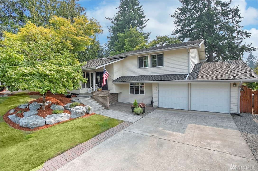 Welcome home to Fairwood Greens and this beautifully updated 5 bed/3ba home. The kitchen boasts cherrywood cabinets, 5burner gas cook top & double ovens. Extend your living space outdoors to the large deck & gorgeous back yard w/raised garden beds. Enjoy hardwood floors, vaulted ceilings & skylights. Spacious master w/updated bath & walk-in closet. Fairwood amenities include 24/7 security patrol, parks & quiet streets. Easy access to freeways, airport, major retail, dining & business hubs.