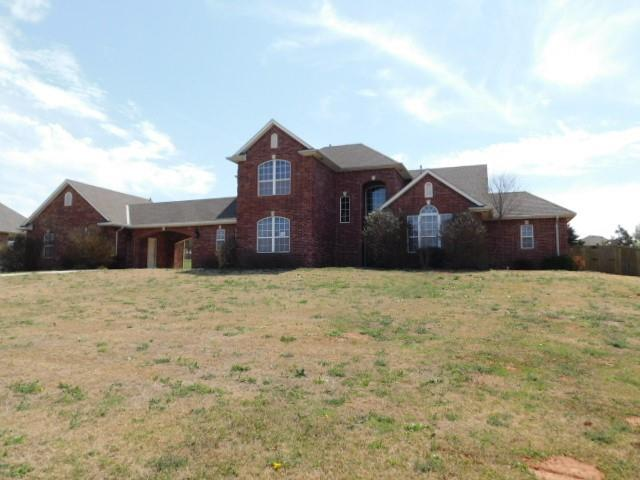"""Back on the market!  Contract busted!  4 Bed, 2.1 Bath (2378 Sq Ft) located in a quite """"Rural Residential"""" neighborhood of """"Stonebrook"""". A unique floor plan that features a large office, formal dining area.  Oversized garage with plenty of room for shelving and built ins.  Large living room with surround sound speakers built in the master bedroom also.  Large closets with in  bedrooms. Newcastle schools.  Buyer to verify all information provided!  Seller will not do any repairs.  Property will not go VA or FHA!"""