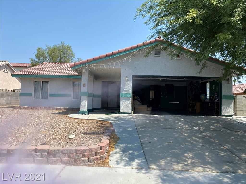 Location !No HOA FEE !!Single Family home in South West Las Vegas ,3bed /2 bathroom ! Close to Food Market ,free way ,and strips!! Investor Dreams !! 3 Property for sale asking $815K (5989 Salinas Canyon Avenue, Las Vegas, Nevada 89139 & 7344 Vireo Drive, Las Vegas, Nevada 89147)