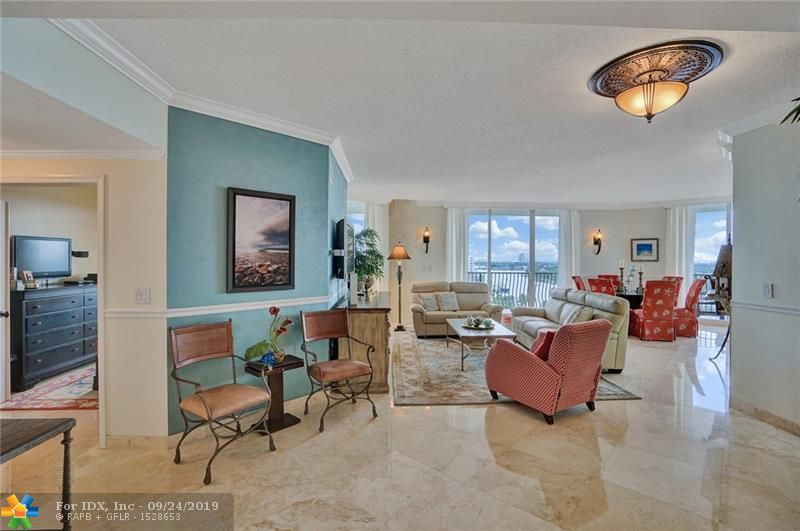 **Luxury Jackson Tower Corner Unit**. This immaculate SW corner unit has panoramic views that include Ocean, Port, Intracoastal and the booming Ft. Lauderdale Skyline.  This luxury 3 bed, 2.5 bath is breathtaking, impressing all of your guests as they enjoy the open floor plan.  With Jackson Tower being located steps away from the beach and minutes from Las Olas entertainment, you will enjoy all that Ft. Lauderdale has to offer.   **The condo has barely been lived in and is practically brand new**   Private lobby,valet, gym, party room, Pool, and more!-2 pets, OK!