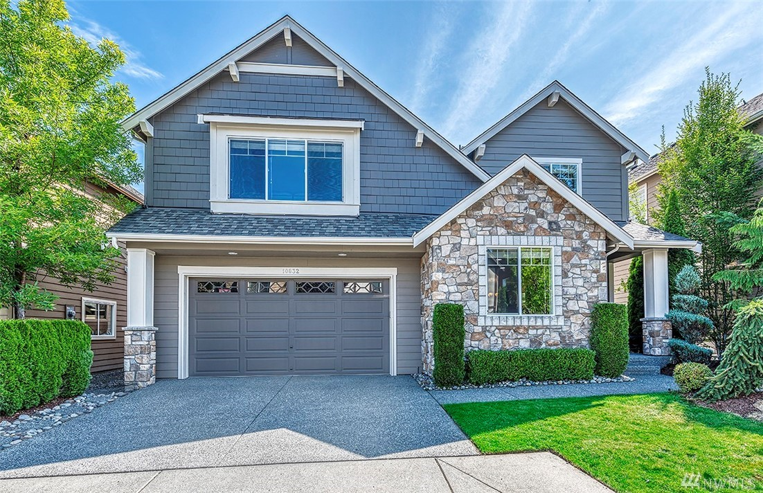 Pre-inspected Murray Franklyn, Madrona plan 3,100 sq ft. 4 bedrooms, 2.75 bathrooms, extra-wide staircase, large bonus room. Main floor office/guest suite, 3/4 bath on main. Living & dining rooms, spacious family/kitchen area w/nook. 2-car garage & A/C. Generous mill work, slab granite counter tops, solid oak floors, Private master retreat w/ vaulted ceilings, spa bath and huge walk-in closet. Parks & walk to shopping. New Ella Baker Elem. & Timberline Middle School.