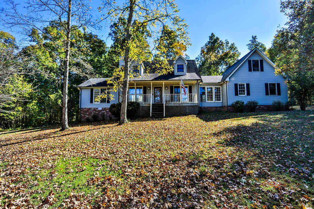 Radiant Home in Williamson County! Located on a 9.94-acre lot, this 3BR/3BA, 2,293 sqft Cape Cod abode delights the eyes! Once inside, you find a living room w/fireplace, sitting room w/skylights, and an eat-in kitchen! The master bedroom has a walk-in closet and an en suite. The unfinished space above the garage has unlimited potential! The home has been well-loved and is ready for a new season. Other features: 2-car garage, deck, laundry area, near Nashville, and more! Call now for your tour