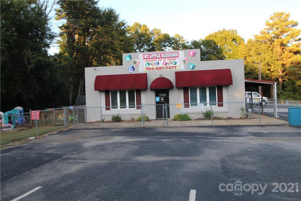 1202 Charles Raper Jonas Highway, Mount Holly, NC 28120
