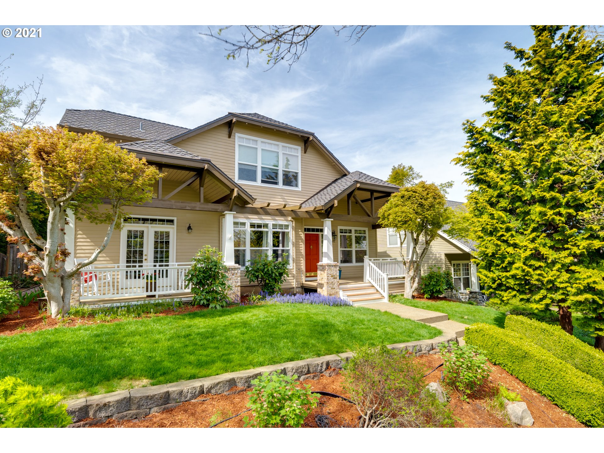 This lovely Cascade Summit home reflects a true pride of ownership.  Meticulously maintained & cared for, showcasing an updated owners suite bathroom as well as updated kitchen. Spacious bonus room could function as fourth bedroom. Presidential 50 year comp roof in 2016, enlarged entertainer's patio, newer exterior & interior paint. Short walk to community pool, park & shopping area.  Open Sat. 3-5 pm. Sunday 2-4 pm. Delightful, inviting and one you will not want to miss!