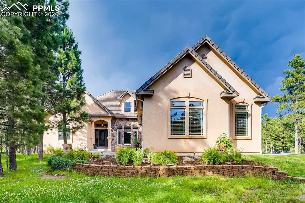 This is a beautiful home nestled in the trees in the sought after private gated community Black Forest Reserve. Enjoy the seclusion of over 2.5 treed acres or entertain on the large back deck overlooking your expansive yard.