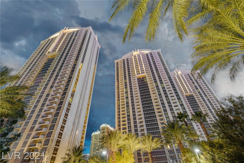 TOWER 1, UPPER PENTHOUSE, CAN'T GET HIGHER THAN THIS- TOP, TOP FLOOR. PRIVATE, CORNER UNIT! UNOBSTRUCTED VIEWS OF MOUNTAIN, CITY, TOP GOLF & POOL, SIGNATURE POOLS, AND WET REPUBLIC. GORGEOUS 1 BED, 2 BATH CONDO, FULL KITCHEN, BREAKFAST BAR, FULLY FURNISHED. EXTENDED BALCONY.