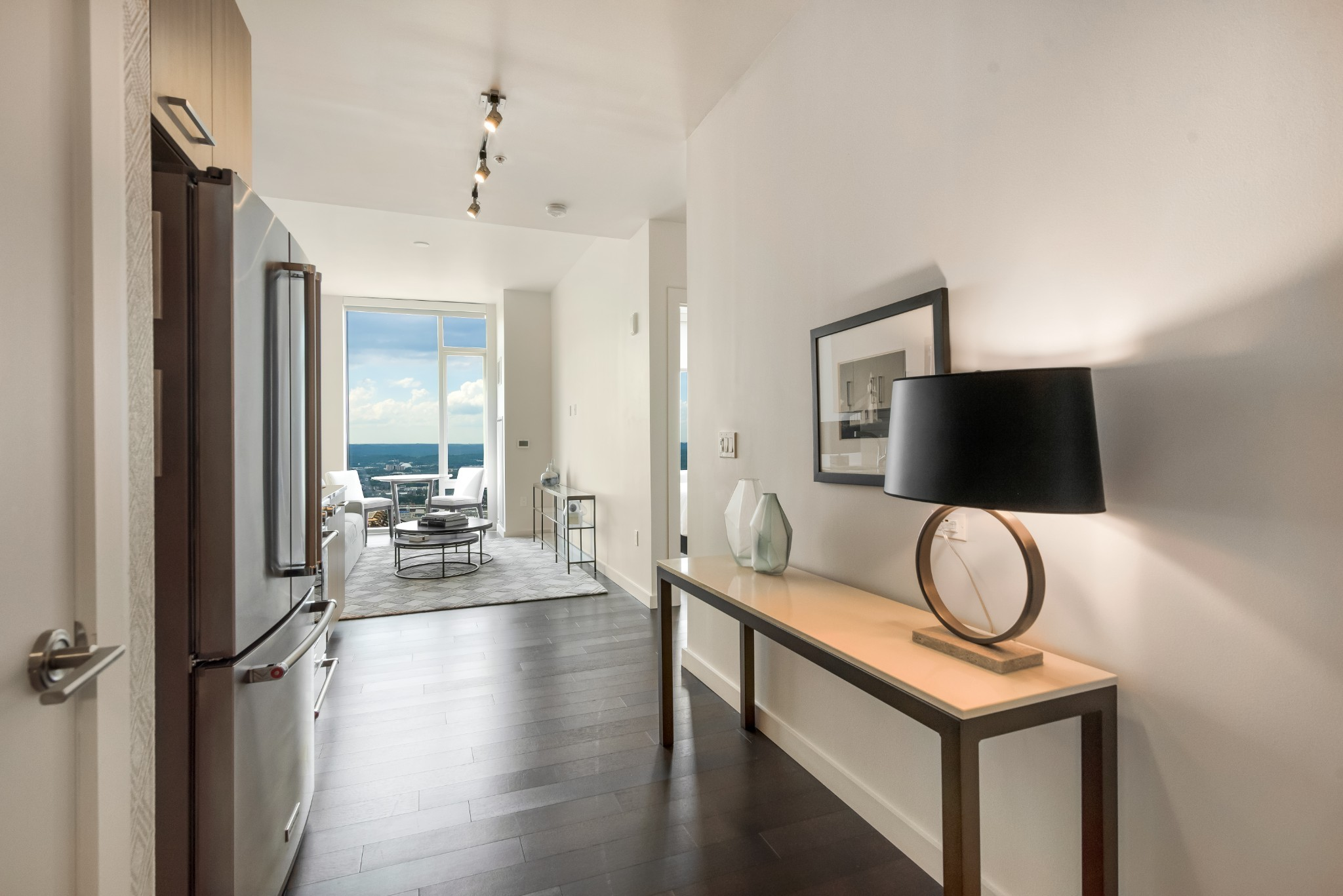 Modern elegance and timeless sophistication at the unparalleled 505 high-rise. Beautifully appointed 1-BR with breathtaking wall-to-wall views of Nashville's iconic skyline and distant hilltops. Resort-style pool, cabanas, tennis, Technogym fitness center, dog park. Exclusive owners-only wine cellar, lounge, dining room with catering kitchen and fitness room. Located in the epicenter of all downtown activities. Walk to music, theater, sports and restaurants.
