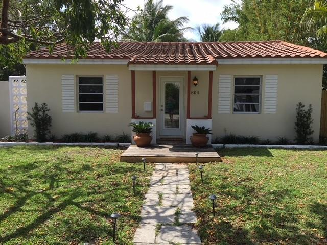 Tranquil Location in the Heart of Croissant Park…Includes Separate Efficiency!!!  Spacious Master Bedroom….Split Bedroom Layout… Large Completely Fenced-In Backyard…Plenty of Room for a Pool on this over sized lot…. Plenty of Off-Street Parking….Walking Distance to Croissant Park Elementary, Park and Pool.  Seller might consider seller financing!!