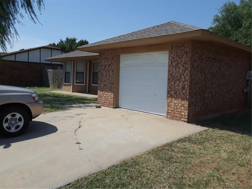 Totally renovated house. Ready for a family looking 3 bed 1 bath in Moore area with affordable price. New roof, carpet, paint both interior and exterior, new tiles and bath fittings. Fans in every room. A must see as starter home.
