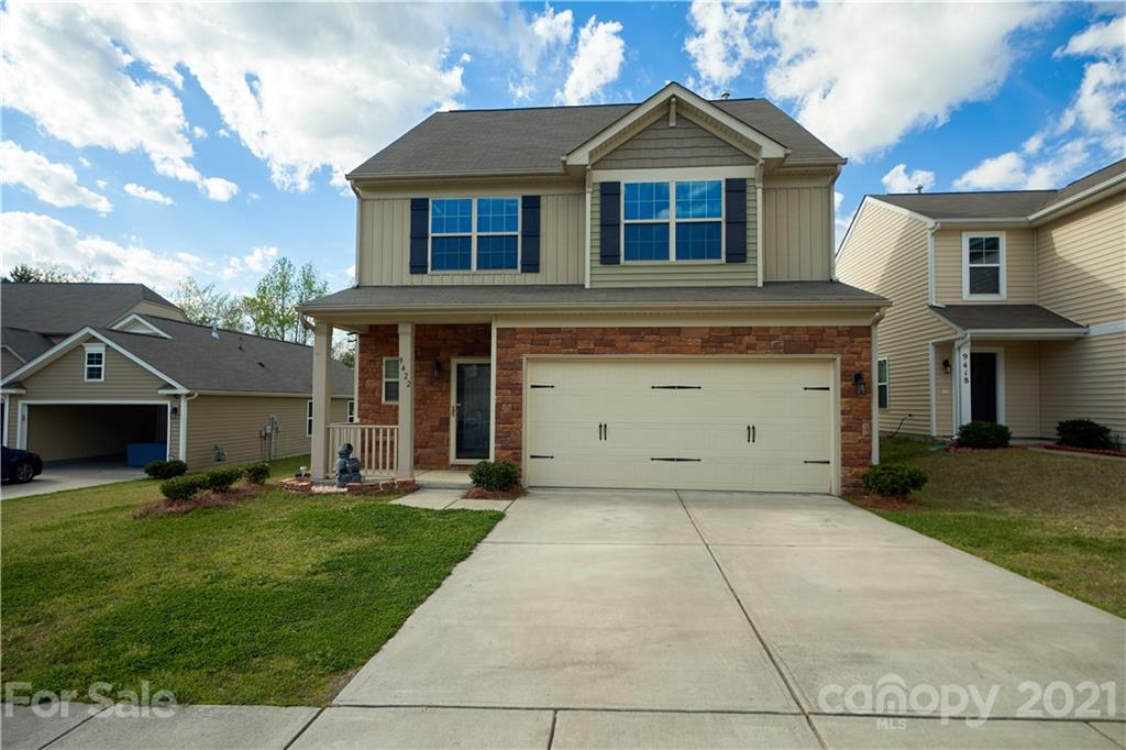 Fabulous 3-story home in popular Matthews! Arched entryway leads to open floorplan living area perfect for entertaining. Kitchen boasts granite countertops, stainless steel appliances, upgraded cabinets, and a breakfast bar. Architectural details like exterior stone accents, crown molding, and wainscoting make this home stand out. Master bedroom features walk-in closet, dual sinks, and a garden tub perfect for soaking. Two additional generous bedrooms share a bathroom, and an extra bonus area on the second floor is great for an office, media room, or play area. Third floor features a massive bonus room that has a walk-in closet and could serve as a 4th bedroom.  Easy access to Independence Blvd. gets you uptown in less than 20 minutes.  Cul de sac lot, backyard with view of trees, and community amenities such as pool, playground, and tennis court make this a wonderful property to call home!