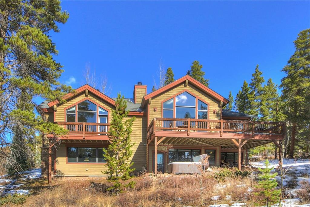 Highlands beauty just 5 minutes from downtown.  Very well kept home with aspen and pine trees surrounding.  Beautiful ski area and mountain range views. MAIN LEVEL MASTER SUITE, open kitchen, living, dining room flooded with sunshine and views all day long. Being offered furnished.  Very well built by Jere Lynch. Quiet, convenient location.
