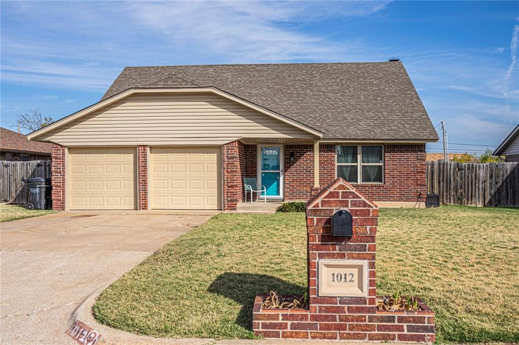 True 4 bed home in Moore under 200k.   This home has a beautiful Kitchen, it also has an above ground pool and a fenced yard.