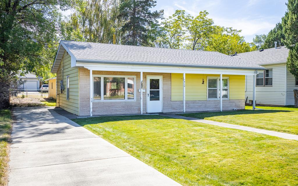 1910 Beck Ave, Cody, WY 82414