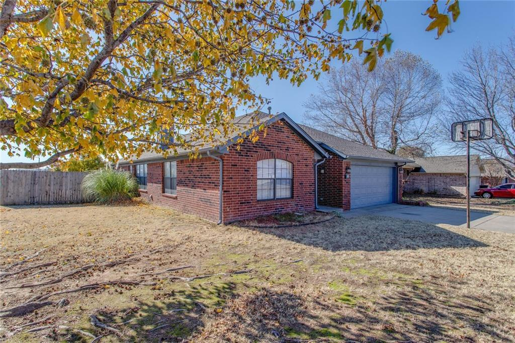 This true 4 bedroom Ideal Homes resale is located close to OU. The home features a new roof (November 2019), new paint and flooring (October 2019), many updated fixtures, and lots of storage both in the home and the garage. The secondary bedrooms are very large with big closet spaces. This open kitchen/living/dining plan is perfect for a large family and entertaining. Extra-large patio, corner lot, and a large yard!