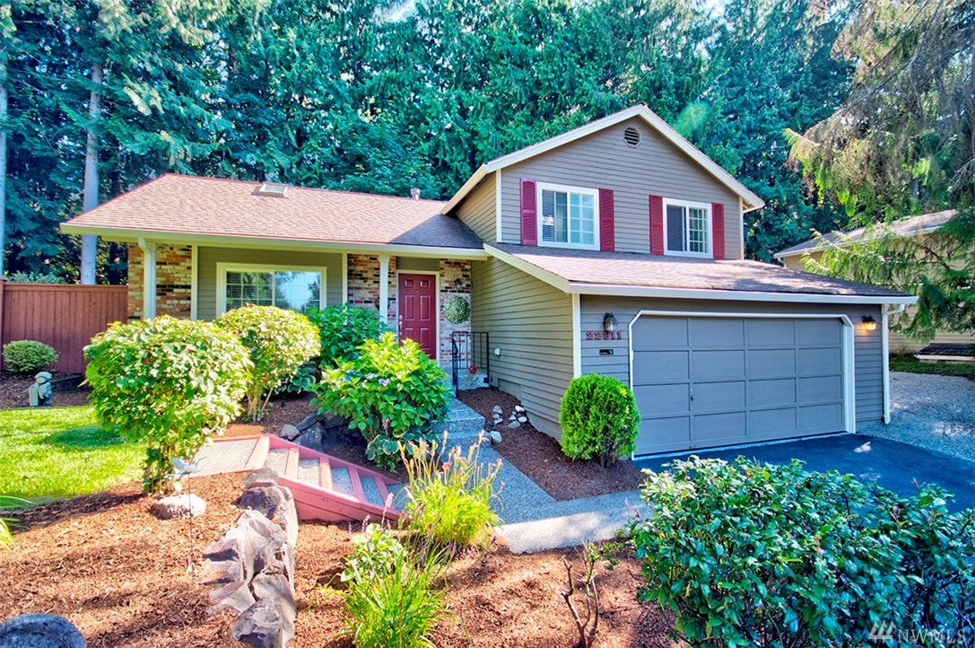 Oasis in Sammamish! Refresh your mind or do creative outdoor activities in your huge private yard w/ oversized deck & low-maintenance garden features. This home is bright & energizing w/ ample windows, skylights & vaulted ceilings that bring in lots of natural lights. Efficient & open floorplan w/ office nook & spacious family room. Updated throughout. Fully fenced w/ storage sheds. Mins to shops, hwys & schools. Enjoy your big backyard that is truly a retreat while you stay home & keep safe.