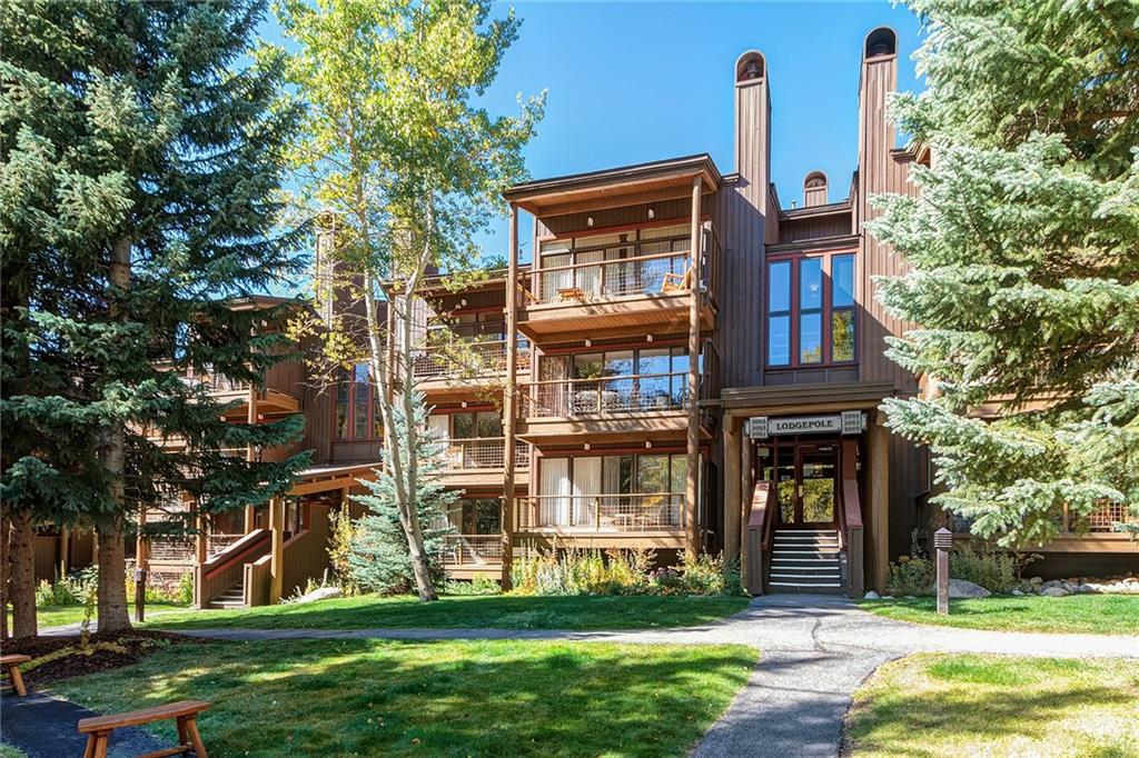 Lodgepole condos, a beautiful setting in Keystone with convenient access to skiing and hiking along the Snake River.
