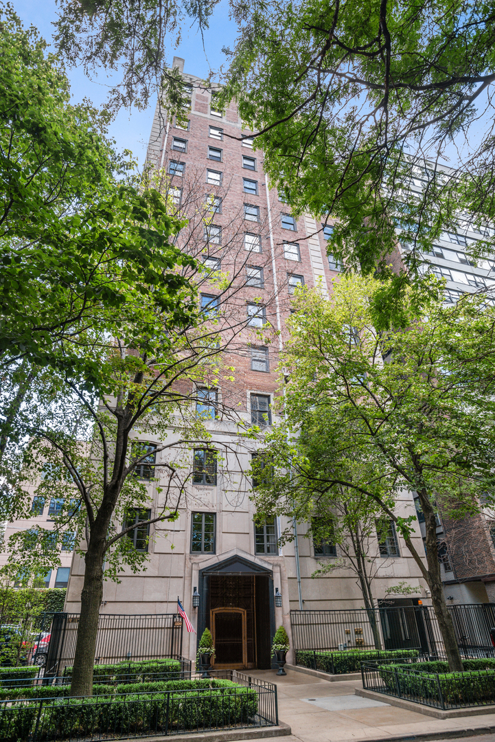 1530 N State Parkway PH, Chicago, IL 60610