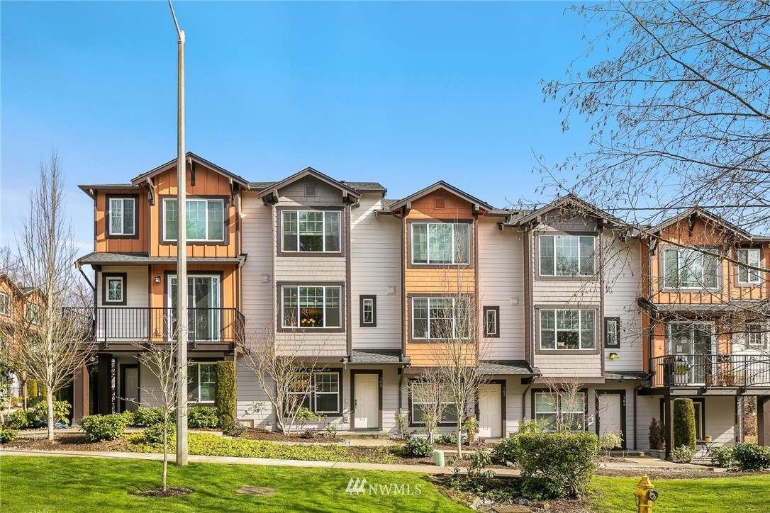 Come tour this gorgeous 2013 built light and bright townhome in the heart of Redmond in the coveted Villas at Mondavio! Unit features spacious living and dining spaces, kitchen w/granite counters and SS appliances, and an office and garage at the lower level. Close to community park and Sammamish River Trail. Excellent location that's minutes to restaurants, groceries, movies and more. Just a few miles to Microsoft's Main Campus, 520 FWY and RTC. Well run HOA. No Rental cap! Must see! Pre-inspected.
