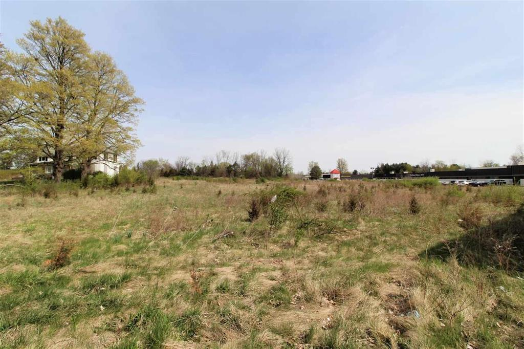 Great location with high traffic count and visibility. Perfect for offices, plaza, salon, day care and more. 367x774 (6.5 acres) clear land with municipal sewer, water and natural gas available. Zoned C-2.