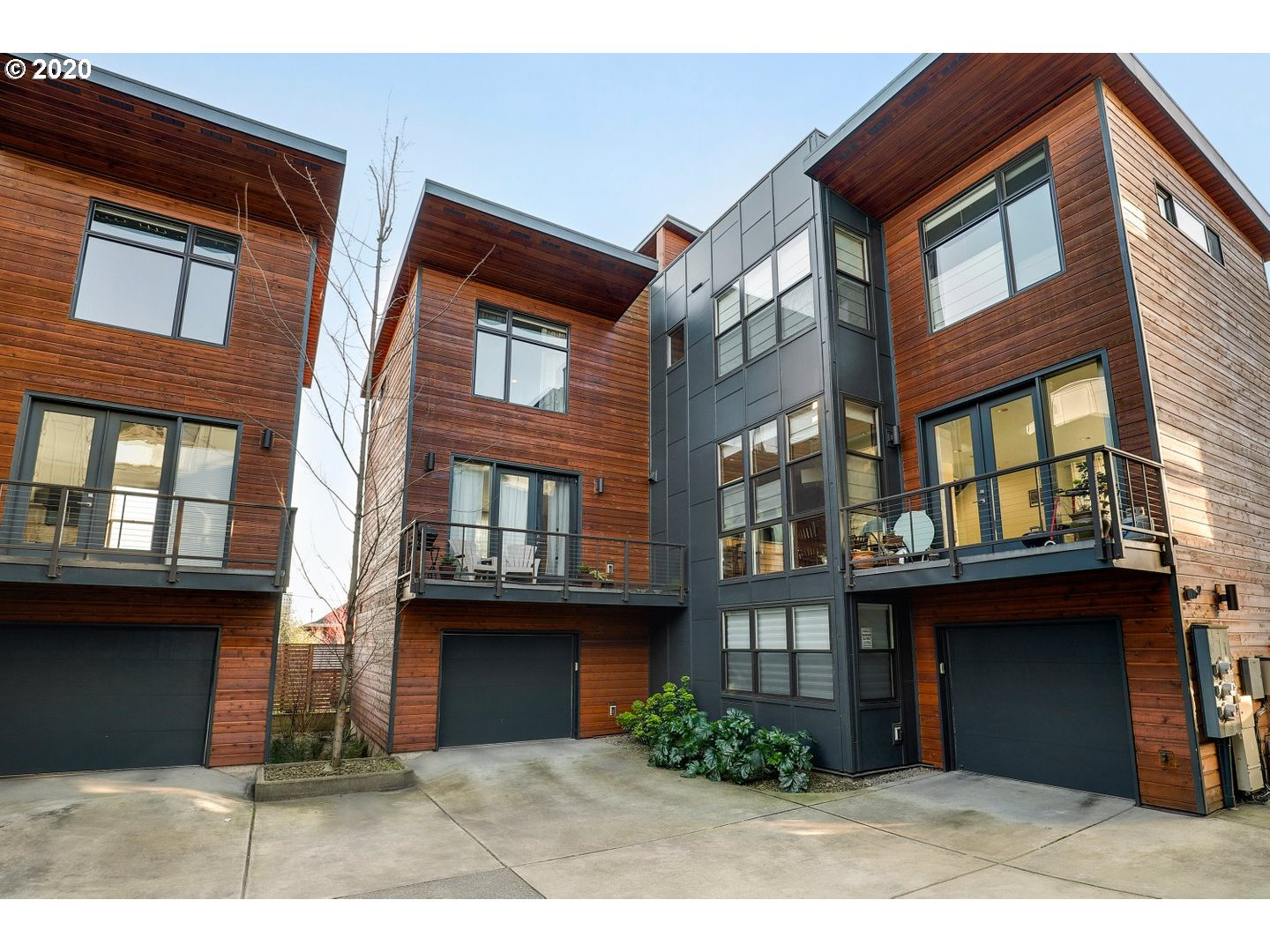 Irvington Townhouse style Condo, built w/ high-end sustainable features! This light-filled home offers a personal elevator, intercom system, Central vac, central air filtration system & private roof-top deck w/ views of Downtown and Mt. Hood! Unmatched location close to trendy shopping & restaurants in the Pearl, Mississippi & Alberta Arts; also close to MAXline, parks, schools & downtown! Open concept kitchen featuring quartz counters, designer back-splash, high-end stainless steel appliances. [Home Energy Score = 8. HES Report at https://rpt.greenbuildingregistry.com/hes/OR10166660]
