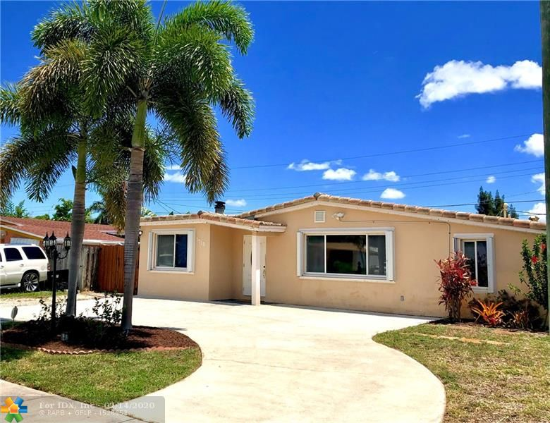 OAKLAND PARK-ANDREWS GARDEN REMODELED  3BED/2BATH + DEN, POOL HOME. KITCHEN/WOOD CABINETS, STAINLESS APPLIANCES, GRANITE COUNTER TOPS, FIREPLACE, BEAUTIFUL TILE/WOOD FLOORS, CIRCULAR DRIVEWAY, SHUTTERS AND WASHER/DRYER. NEWER TILE ROOF, AND A/C, HUGE OPEN FLOOR PLAN, LRG FAMILY ROOM, UTILITY ROOM IN HOUSE, WATER SOFTENER PURIFICATION SYSTEM, ETC.HOME UNDER TERMITE WARRANTY.  TENANT OCCUPIED JUNE 15,2020. 24HR NOTICE. PICTURES COMING SOON. SELLER DISCLOSURE ATTACHED