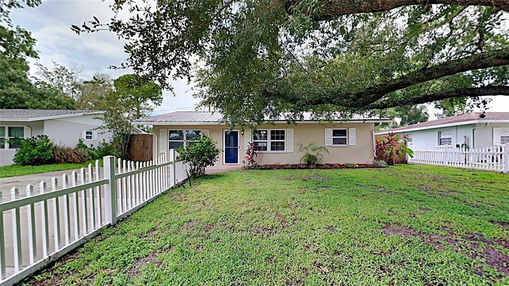 2320 Amanda Drive, Sarasota, FL 34232