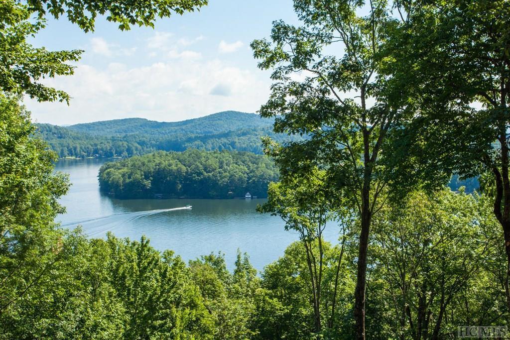 281 Lakeside Drive, Lake Toxaway, NC 28747